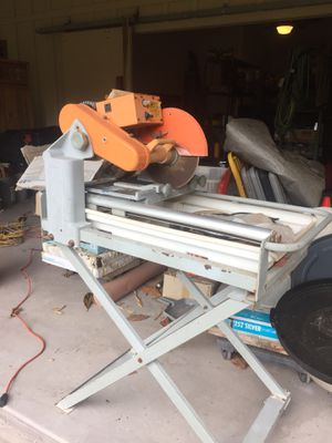 Chicago electric tile saw with stand. for Sale in Kailua-Kona, HI