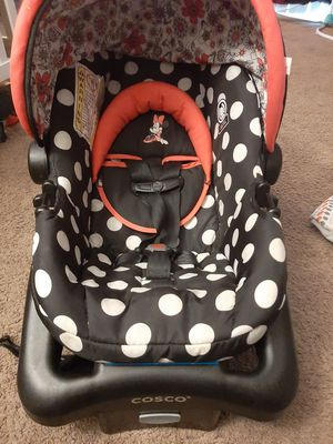Cute Minnie mouse Carseat for Sale in Fresno, CA
