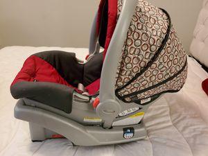 Graco click n connect car seat for Sale in Alpharetta, GA
