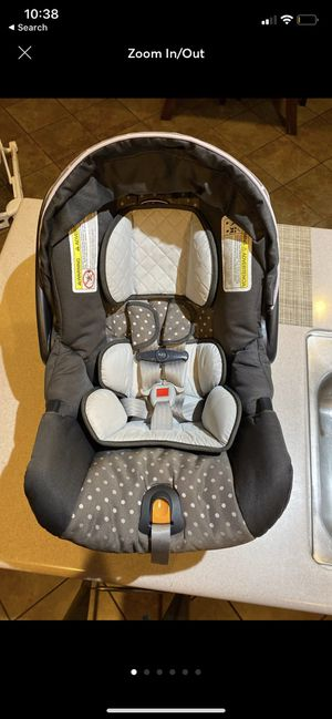 Chicco Keyfit 30 infant car seat in Lila Base+ Chicco Caddy included for Sale in Hemet, CA
