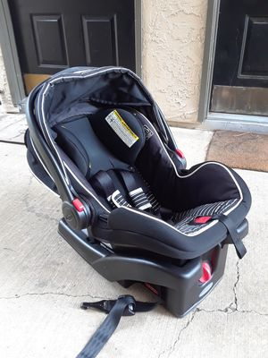 2017 GRACO BABY CAR SEAT WITH SIDE IMPACT. USED ONLY ONES. EXPIRES IN 2025 for Sale in Dallas, TX