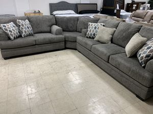 Sectional sofa 3Pc Take it home today Romeo's Furniture downtown Madera for Sale in Madera, CA