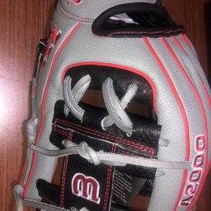 Baseball Glove Wilson A2000 11.75 Infield for Sale in Greenbelt, MD