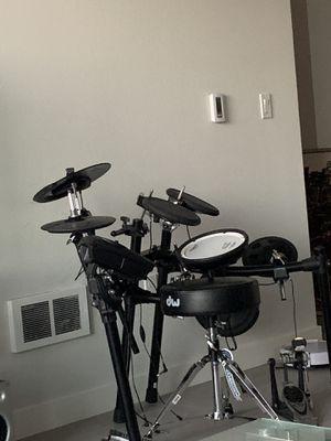 TD 11 Roland Elctrical drums set like new for Sale in Alameda, CA