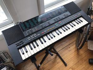 YAMAHA PORTASOUND PSS-480 MUSIC STATION Electronic Synthesizer Keyboard • Vintage Lo-Fi • Super Cool! for Sale in Chicago, IL