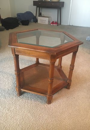 End table for Sale in Los Angeles, CA