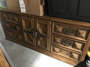 antique long dresser — bassett furniture industries inc. for Sale in Washington, DC