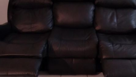 Faux Leather Electric Recliner for Sale in Miami Gardens,  FL
