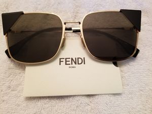 Fendi Cat Frame Sunglasses (NEW) for Sale in Falls Church, VA