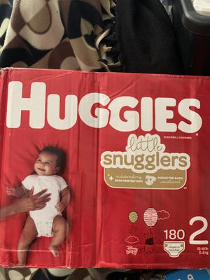 Huggies little sugglers diapers for Sale in Miami, FL