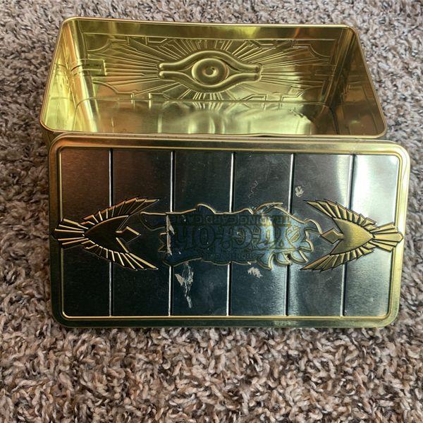 400+ Common & Rare yugioh cards+ Yugioh collectors tin for storage