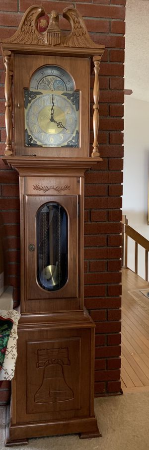 Bicentennial limited edition grandfather clock in excellent shape for Sale in Federal Way, WA