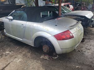 Audi tt for parts out for Sale in Miami Gardens, FL