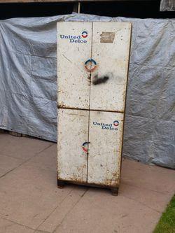 United Delco Cabinet for Sale in Sacramento,  CA