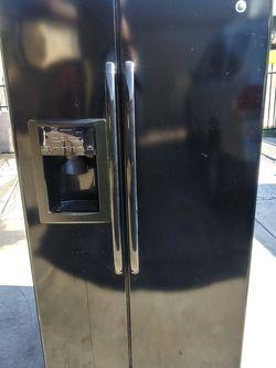 Refrigerator GE black for Sale in Phoenix,  AZ