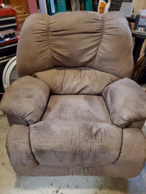 FREE Recliner!! NEED GONE! for Sale in Chapel Hill, NC
