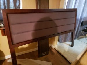 King headboard for Sale in Roosevelt, CA