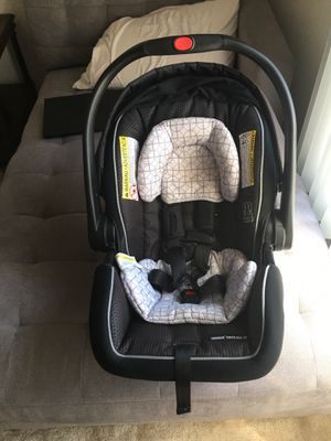 Graco Infant stroller and car seat for Sale in Downers Grove, IL