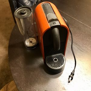 Nespresso D50 coffee maker for Sale in Los Angeles, CA