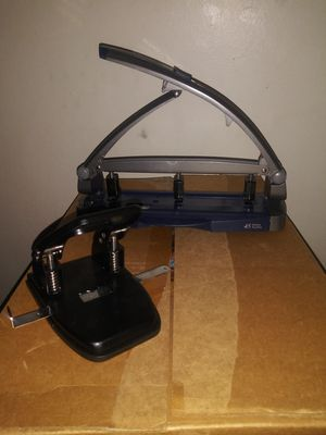 3 hole and 2 hole puncher / Perfect for an Office or Home Office! for Sale in Neffsville, PA