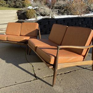 Vintage Mid Century 2 Section Sofa for Sale in Wenatchee, WA