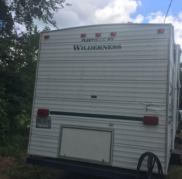 2001 Fleetwood Wilderness travel trailer