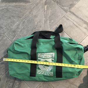 United studios of self defense green duffle bag for Sale in Winchester, CA