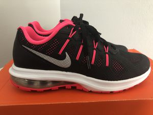 Womens Nike Air Max Dynasty Shoe Size 5Y for Sale in Philadelphia, PA