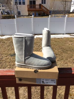 d6b005b1e7e Ugg Bailey Bow for Sale in Worcester, MA - OfferUp