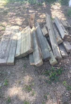 Free wood waterproof for Sale in Silver Spring, MD