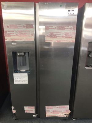 New scratch and dent Samsung 27 cu ft stainless steel side by side fridge. 1 year warranty for Sale in St. Petersburg, FL