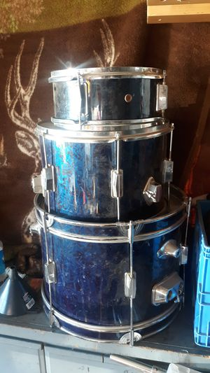 3 micellaneous drums for Sale in Victorville, CA