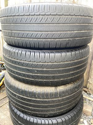 4 good use tires Michelin 245/60/18 for Sale in Herndon, VA
