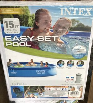 Intex 15 ft x 33 in easy set pool with filter & pump for Sale in Houston, TX