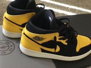 Air Jordan 1 new love size 9 for Sale in San Diego, CA