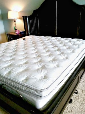 Sleep Number I8 Split Top King Smart Bed for Sale in Portland, OR