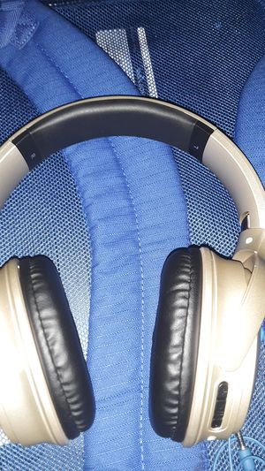 Blue toothe headphones for Sale in Kennewick, WA