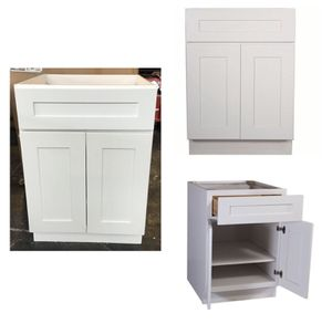 Design House 561365 Brookings Unassembled Shaker Base Kitchen Cabinet 24x34.5x24, White for Sale in Stafford, TX