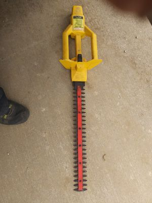 Paramount 19 in hedge trimmer for Sale in Columbia, MO