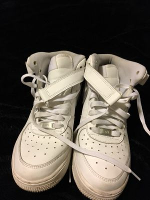 Size 6.5 white nike for Sale in Tampa, FL