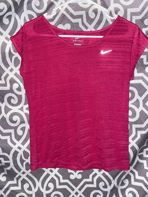 Size Small Nike Striped Hot Pink Gym T Shirt Fitness Basic Yoga for Sale in Lake Forest, CA