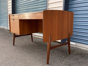 Vintage Mid Century Modern 3 drawer desk from Norway for Sale in Kirkland, WA