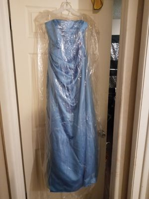 Bridesmaid dress new nerve wore size 14 dress with tag for Sale in Wichita, KS