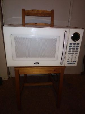 OSTER 1500W MICROWAVE OVEN for Sale in San Jacinto, CA
