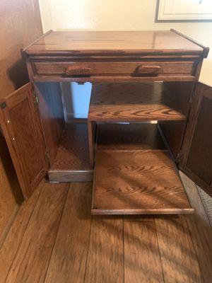 Computer desk for Sale in Moreno Valley, CA