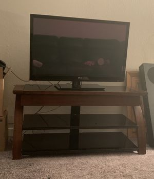 Tv and Stand $100 for Sale in Kent, WA