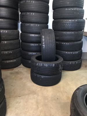 235/45/18 3 tires only 70% tread for Sale in King City, OR