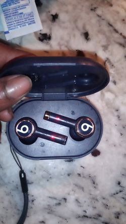 New used once dre beats wireless earbuds extreme sound quality for Sale in Long Beach,  CA