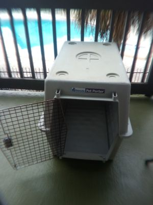 Large Plastic dog crate for Sale in Orlando, FL
