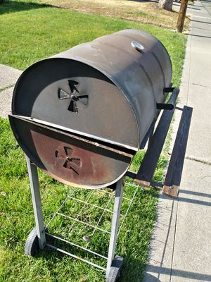 Barrel bbq grill for Sale in Stockton, CA